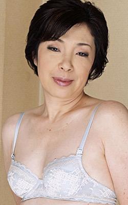 津美 64歳