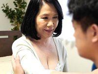 還暦熟女の母が息子に突かれピンク乳首のデカ乳輪を揺らしまくりアヘ顔中出し!宮前奈美