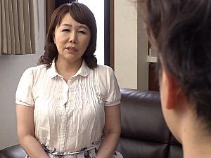 地味顔でピンク乳首の巨乳義母が娘婿と家庭内不倫!真田紗也子