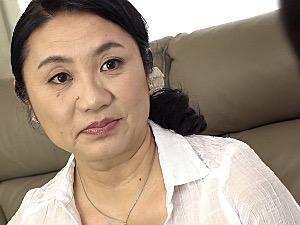 童貞筆下ろしをした甥っ子にハマり通い妻になる地味巨乳の叔母!永田成子
