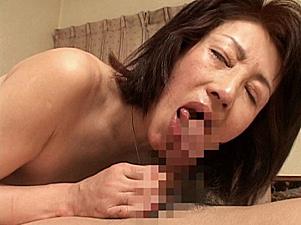 ダミ声でタラコ唇がエロい還暦間際の田舎熟女!安藤千代子