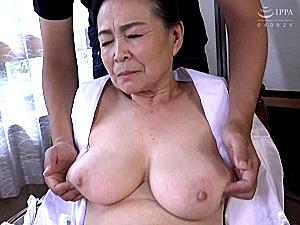 ピンク乳首で巨乳の七十路熟女が初撮りエッチ!小谷千春