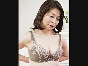 上品なパイパン還暦熟女が初撮りで激ピストンされ中出しエッチ!遠田恵未