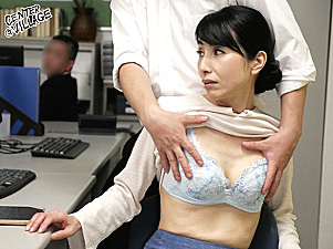 清楚な五十路熟女教師が男子生徒と不倫交際!学校内でパイパン中出しH!鶴川牧子