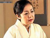 華道教室の先生は若い生徒を誘惑するヤリマン還暦熟女!岩下千鶴