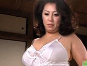 セフレを失ったエロケバい巻き髪熟女が手マンオナニー!愛矢峰子