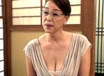 メガネ熟女の家庭教師が童貞生徒をフェラ抜き!矯正下着から溢れる垂れ乳おばさん!青井マリ