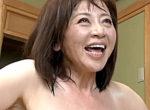 超垂れ乳の五十路熟女が大学生の若いチンポで汗だく絶頂!寺島千鶴