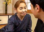 ピンク乳首で垂れ乳の七十路祖母が年頃の孫に抱かれアヘ顔で中出し近親相姦!吉野ひとみ